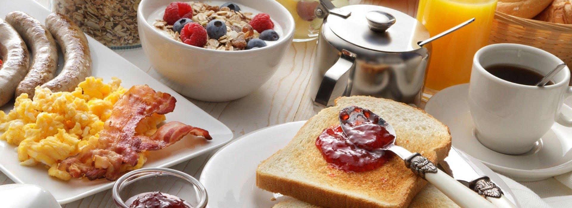 Frühstück im Gasthof in Aiterhofen