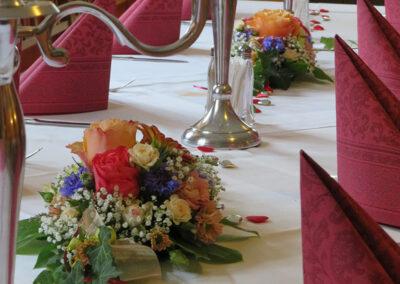 Schön gedeckter Tisch im Landgasthof in Aiterhofen